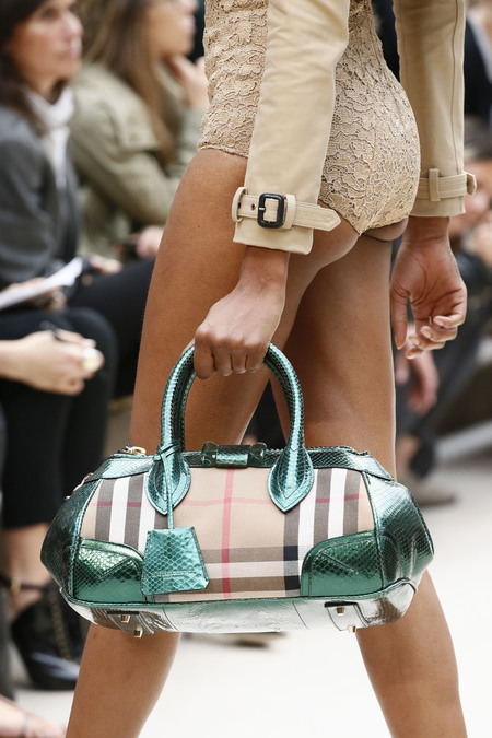 Чантите на Burberry Prorsum от сезон пролет 2013