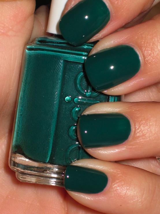 Hrisskas-style-nails-essie