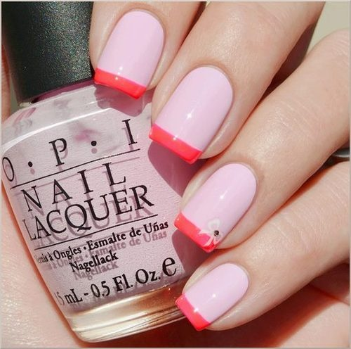 Hrisskas-style-nails-in-coral-and-pale-pink