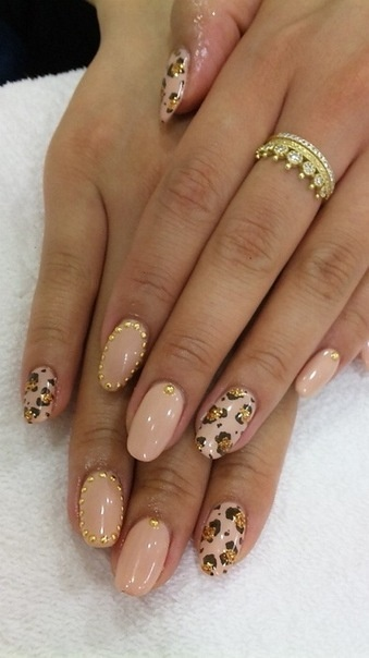 Hrisskas-style-nails-leopard-print