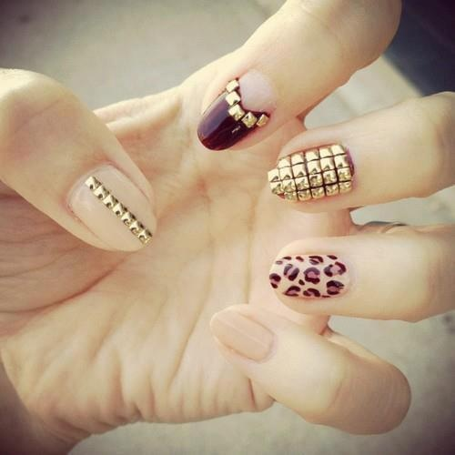 Hrisskas-style-studded-nails