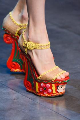 Обувки и чанти Dolce&Gabbana пролет/лято 2013