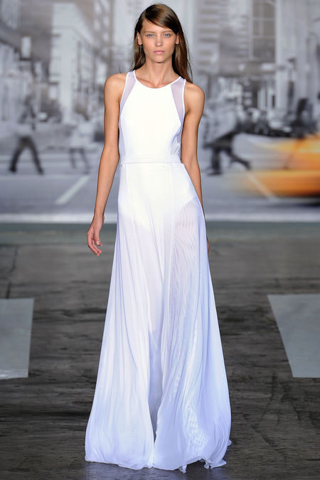 Модната тендеция на всяко лято: Изцяло в бяло – част 1