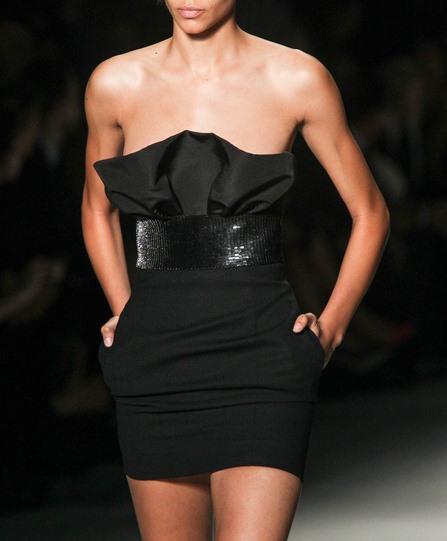 Черната рокля на сезон пролет/лято 2014