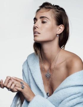 Nadja Bender в декемврийския брой на Vogue Russia