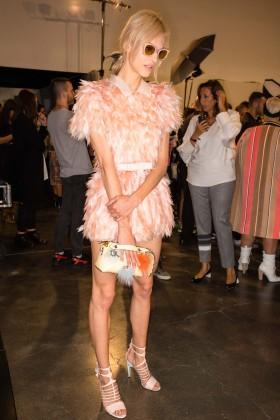 Бекстейджът на модните ревюта на пролет/лято 2015