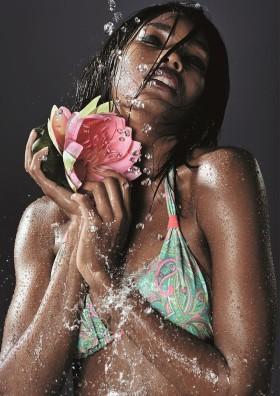 Забравяме за мокрите бански костюми с иновацията Palmers Lotus