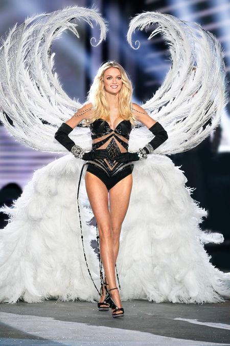 Шоуто на Victoria's Secret 2012: Ангели в сребърно