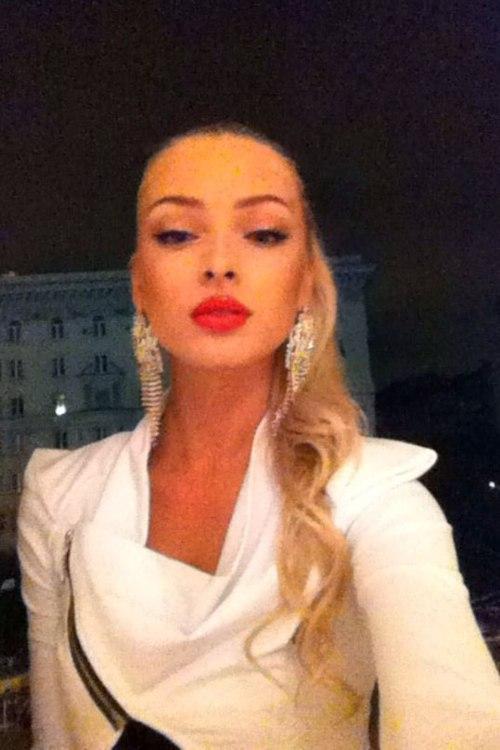 Любим модел – Alena Shishkova