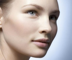 Гладка кожа без лъщене с продуктите на Bioderma